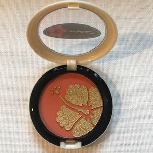 MAC Cosmetics Makeup - PM EDITOR PICK!🌺🤙🏽 MAC Surf, Baby! Cheek Powder